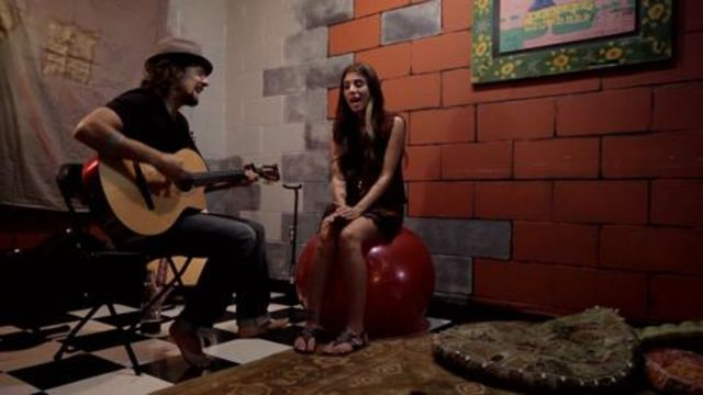 CNE Video | Christina Perri and Jason Mraz, Live from Jason's Dressing Room, in an Exclusive Backstage Video