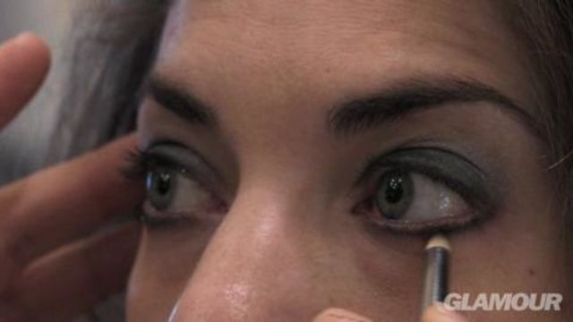 CNE Video | A Sexy, Smoky Eye Makeup How-To by Victoria's Secret Makeup Artist Linda Hay