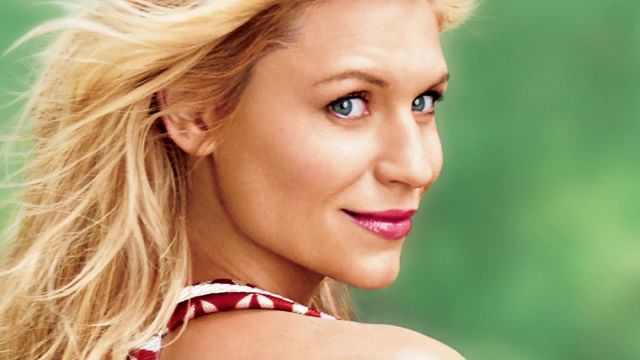 CNE Video | Claire Danes, the Ultimate Holiday Gift Guide and More Reasons to Check Out Glamour's January 2014 Issue