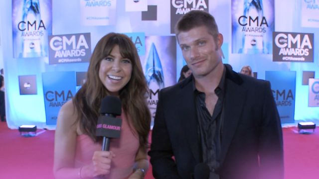 CNE Video   Nashville's Chris Carmack and Glamour's Jessica Radloff Talk to Country Music's Biggest Stars on the CMAs Red Carpet