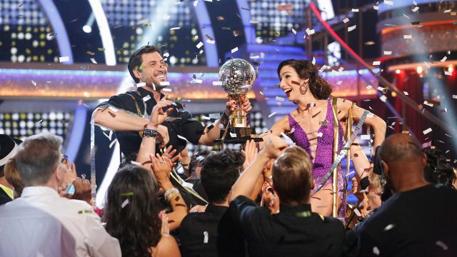 CNE Video | Behind the Scenes at the Dancing with the Stars Finale: Maks and Meryl Talk Dating Rumors, Derek Hough Shares his Kissing Trick and More!