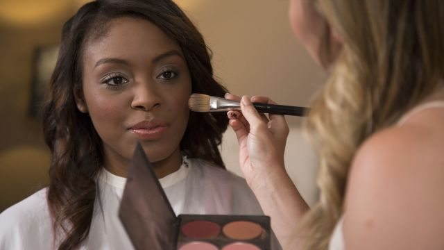 CNE Video | A Youthful, Flirty Makeup Look to Refresh Your Style
