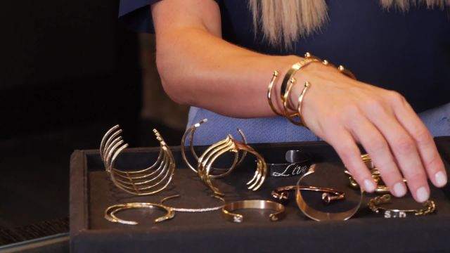 CNE Video | Styling Tricks for Stacking Bracelets, Courtesy of Jennifer Fisher