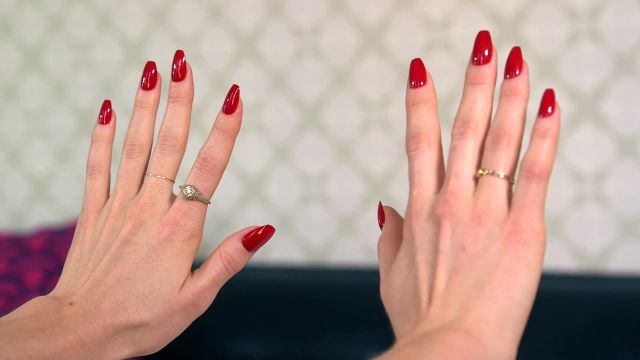 CNE Video | Here's How to Get The Hottest Nail Trend of 2016