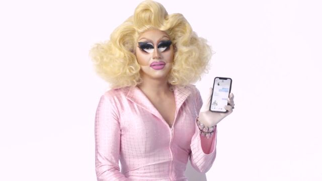 "CNE Video | ""RuPaul's Drag Race"" Cast Shows Us the Last Things on Their Phones"