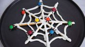 How to Make a Chocolate and Pretzel Spiderweb for Halloween