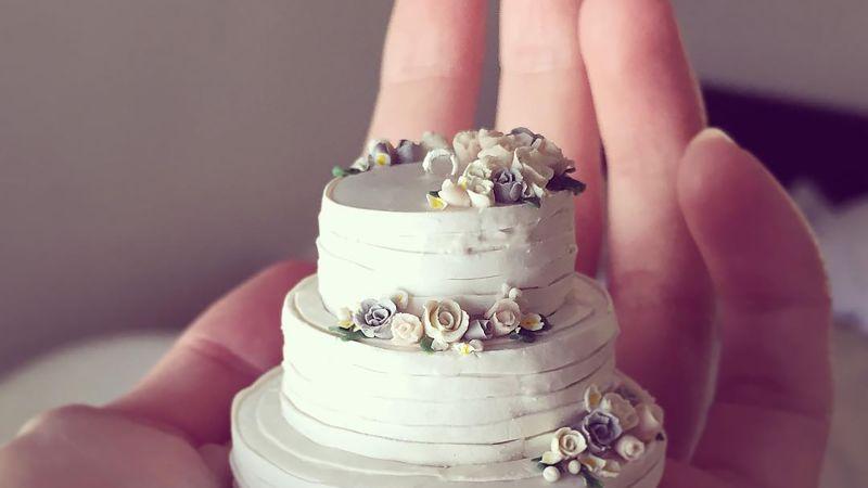 Watch Teeny Tiny Wedding Cakes Make The Perfect Keepsake