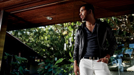Behind the Scenes at Drake's GQ Photo Shoot - July 2013