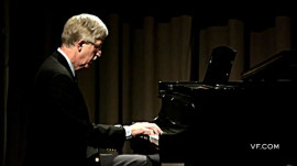 "Director of N.I.H. Francis Collins Plays His ""Hitchens Sonata"" on Piano"