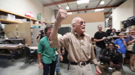 Stan Lee vs Giant Robot: Comic Con 2013