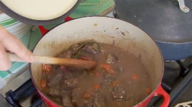 Debi Mazar Makes Tuscan Beef Stew