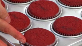 How to Make Red Velvet Cupcakes