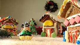 Gingerbread House to Make with Kids for Christmas