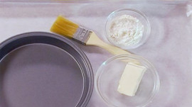 How to Prepare Cake Pans