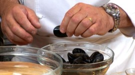 How to Make Belgian Moules Marinieres, Part 1