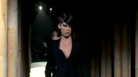 Mugler: Fall 2011 Ready-to-Wear