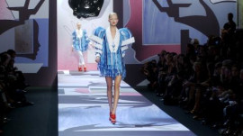Viktor & Rolf: Spring 2011 Ready-to-Wear