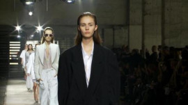 Dries Van Noten: Spring 2011 Ready-to-Wear