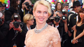 Naomi Watts: Awards-Season Beauty with Vanity Fair's SunHee Grinnell