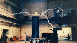 DIY Tesla Coils Will Shoot 260-Foot Lightning Bolt