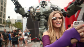 iJustine Spots Giant Robot at Comic Con 2013