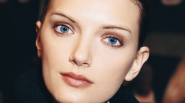 Allure Backstage Beauty: Powdered Skin, Fall 2007