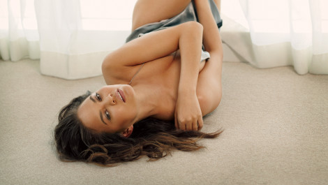 Chrissy Teigen's GQ Shoot - July 2013