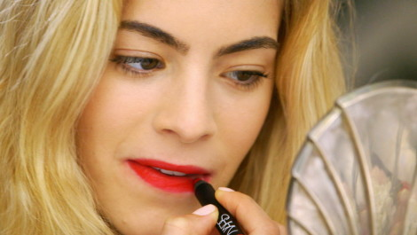 Mastering the Classic Red Lip