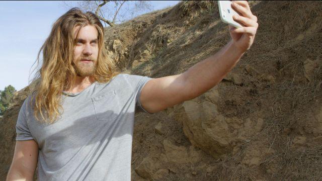 Model selfies male Category:Comparison images