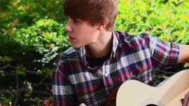 Justin Bieber Goes Acoustic