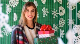 How to Do Holiday Party Makeup