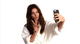 How to Take a Selfie Like a Supermodel, Part 3