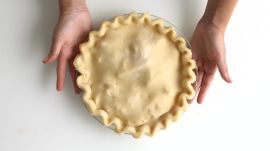 Two Ways to Crimp Pie Crust