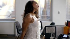 Easy 10-Minute Workout You Can Do at Your Desk
