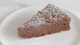 How to Make 3-Ingredient Flourless Chocolate Cake