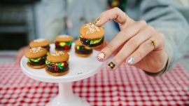 How to Make Peppermint Pattie Burgers