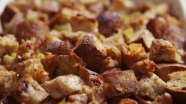 This Thanksgiving Stuffing Only Uses 3 Ingredients