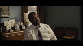 """See Denzel Washington Teach a Stern Lesson in """"Fences"""""""
