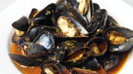 The Easiest Weeknight Indian Curried Mussels