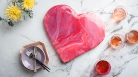 This Heart-Shaped Mirror Cake is Perfect for Valentine's Day
