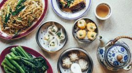 How Nom Wah Tea Parlor Keeps Old Chinatown Old