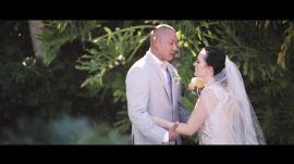 An Amazing Aquarium Wedding