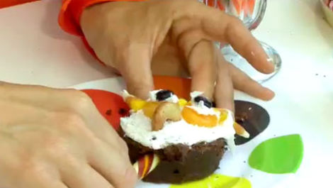 How to Make Pumpkin and Owl Brownie Pops