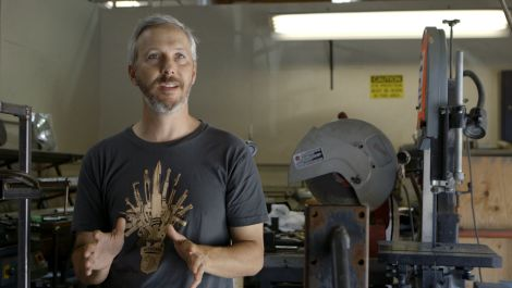Watch FX Experts Build the Prototype of a 14-Foot Creature