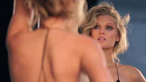How to Date Toni Garrn