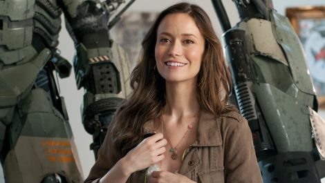 Summer Glau on Having a Robot Best Friend