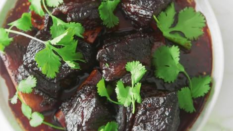 How to Make 3-Ingredient Sweet and Savory Short Ribs