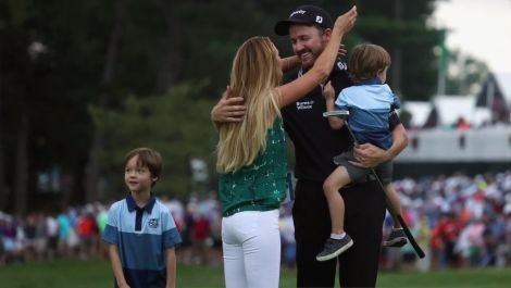 The Grind: Jimmy Walker's winning butt slap & the best Tiger t-shirt ever