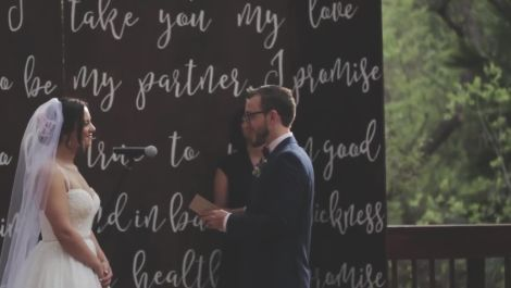 A California Wedding With a Seriously Cool Ceremony Backdrop