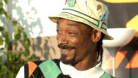 7 Rules For Throwing A Masters Party As Cool As Snoop Dogg's